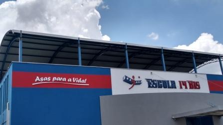 Cobertura e colocação de venezianas no colégio 14 bis em Campinas