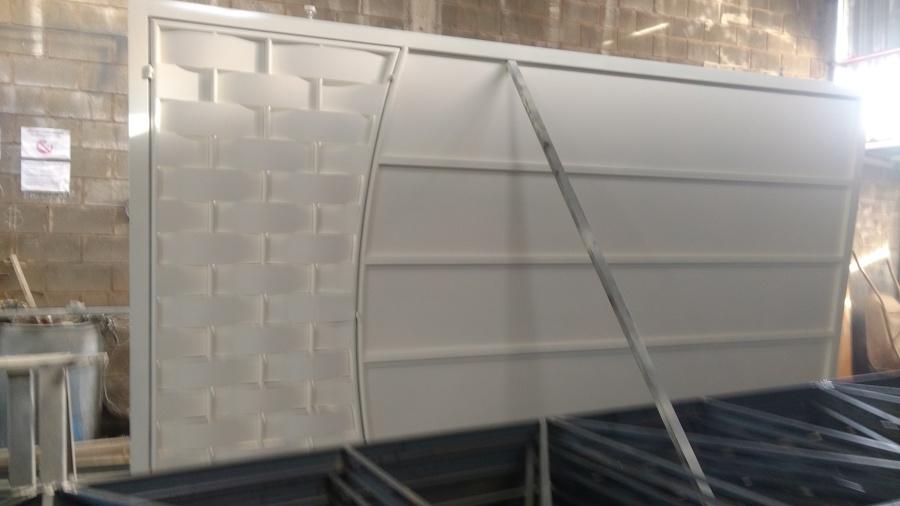 Portão deslizante residencial , obra em Hortolândia S/P
